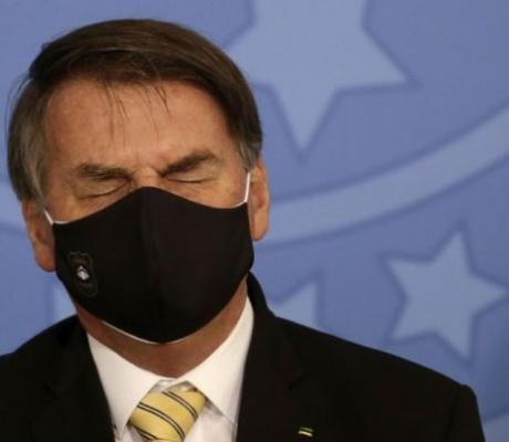 Ο κορωνοϊός «σκοτώνει έναν Βραζιλιάνο κάθε λεπτό» και ο Μπολσονάρου «κυνηγά» τον... ΠΟΫ!