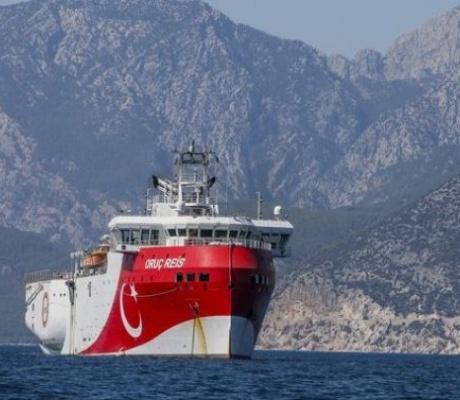 Στα 52 ναυτικά μίλια εντός της ελληνικής υφαλοκρηπίδας το τουρκικό Oruc Reis