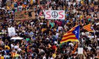 Ο Ραχόι δεν αποκλείει αναστολή της αυτονομίας της Καταλονίας